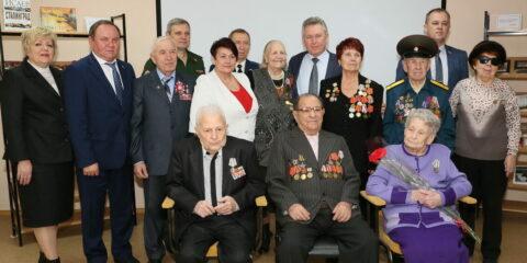 Год воинской славы: в Волгодонске ветеранам Великой Отечественной войны вручили памятные медали в честь 75-летия Победы