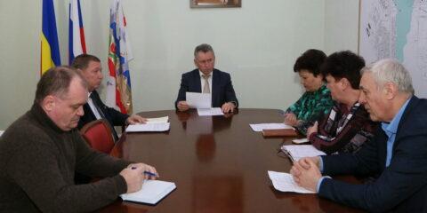 Глава администрации Волгодонска потребовал от подрядчика в кратчайшие сроки обеспечить пуск всех замененных лифтов