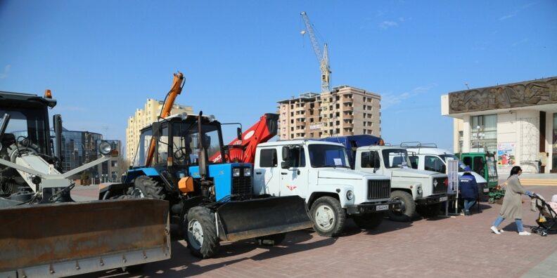 В Волгодонске прошла первая ярмарка организаций ЖКХ и коммунальщики отметили профессиональный праздник