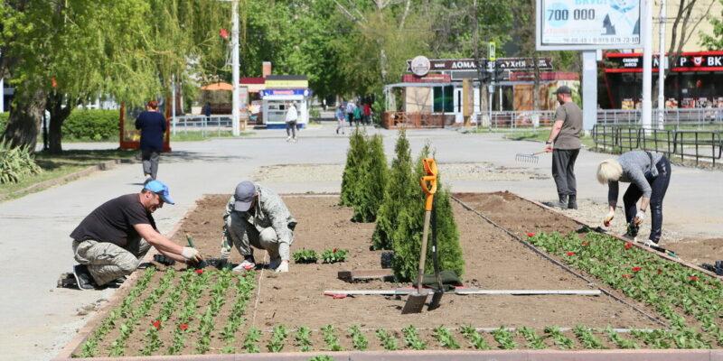 Привести город в порядок: как Волгодонск преображается к майским праздникам
