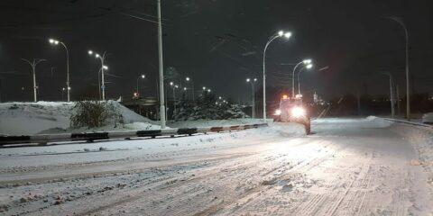 Александр Милосердов: на уборку города от снега выведена вся необходимая техника и увеличено число коммунальщиков