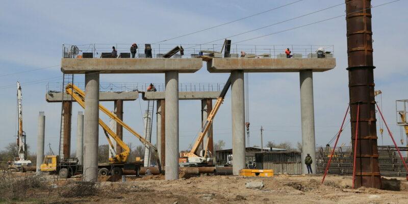 Коротко – об итогах 2020 года: введены два новых завода, строится третий мост, через город пошли поезда