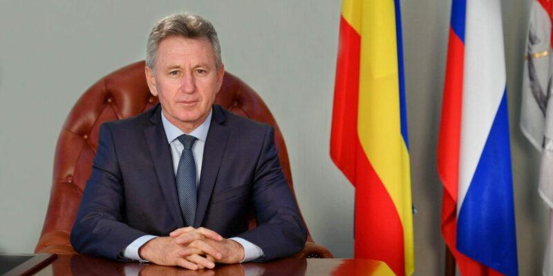 Виктор Мельников поздравил волгодонцев с Днем защитника Отечества
