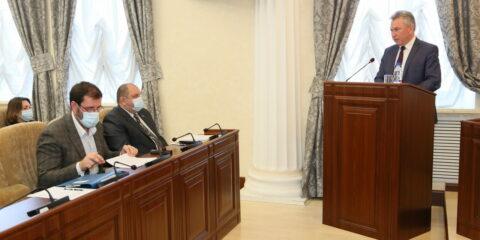Глава администрации Волгодонска Виктор Мельников отчитался перед депутатами о работе исполнительной власти в 2020 году