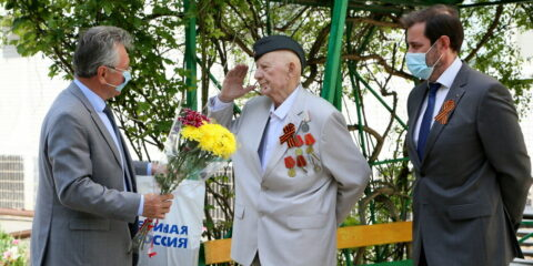 Спасибо за жизнь: ветераны принимают поздравления с Днем Победы