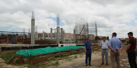 Виктор Мельников: «Пока мы строимся, мы развиваемся и живем»